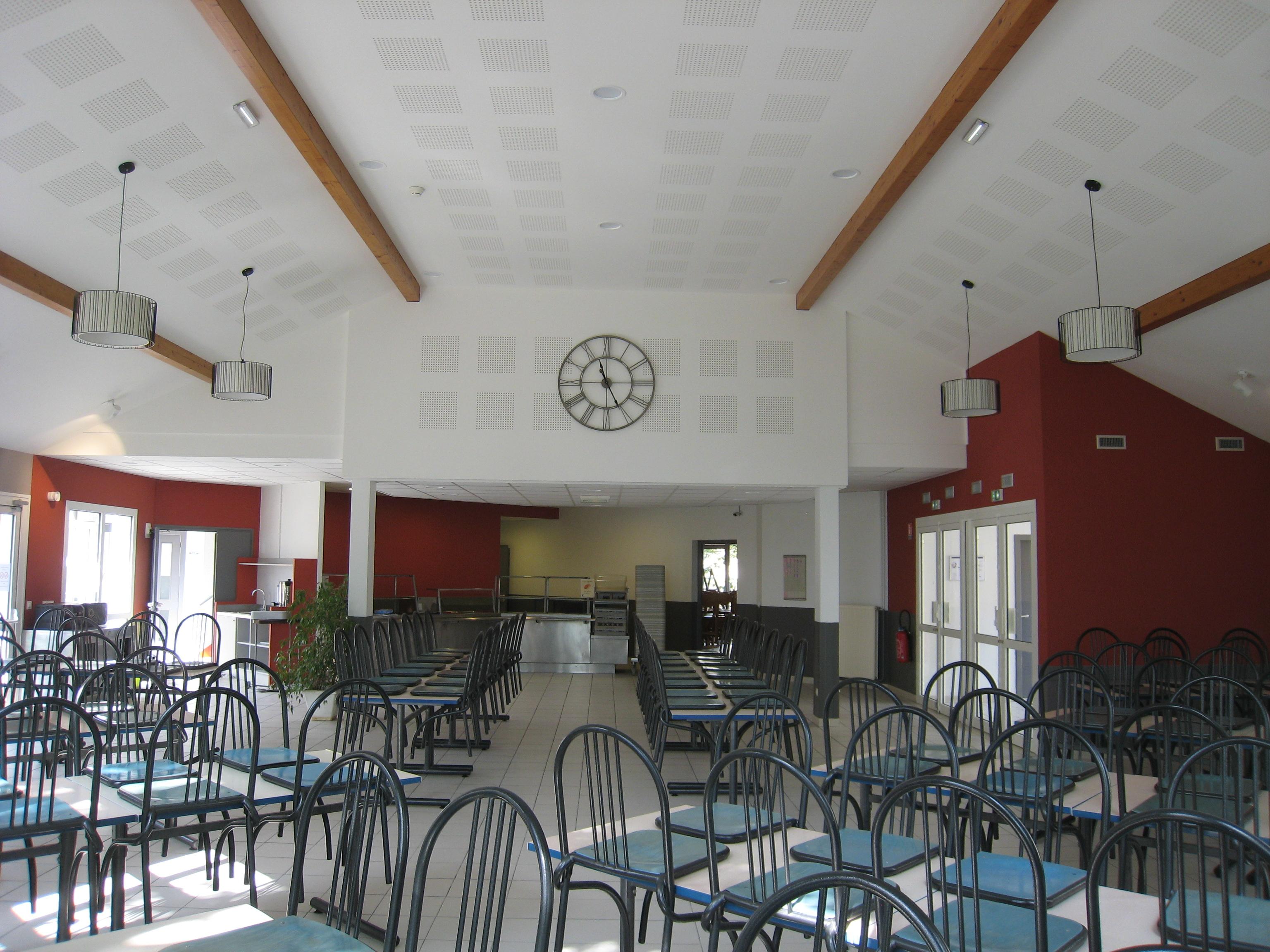 Accueil s minaires entreprises groupes mfr moirans for Equipement salle restaurant